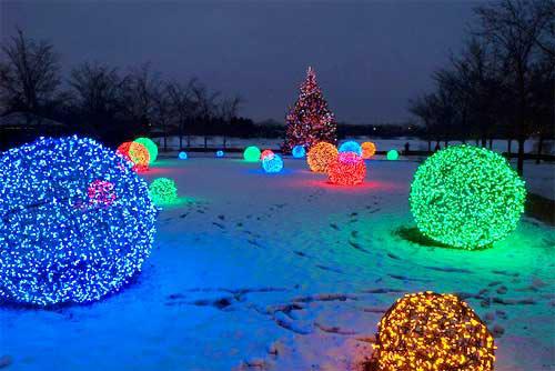 Christmas Light Balls.How To Make Awesome Christmas Light Balls Iseeidoimake