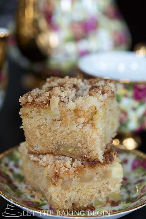 Apple Coffee Cake w/ Streusel Topping