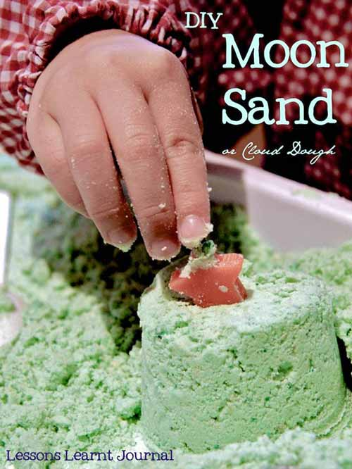 How To Make Moon Sand (Cloud Dough)