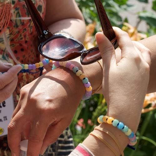 How To Make Your Own Anti-Sunburn Bracelet
