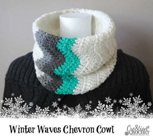 FREE PATTERN: Chevron Crocheted Cowl